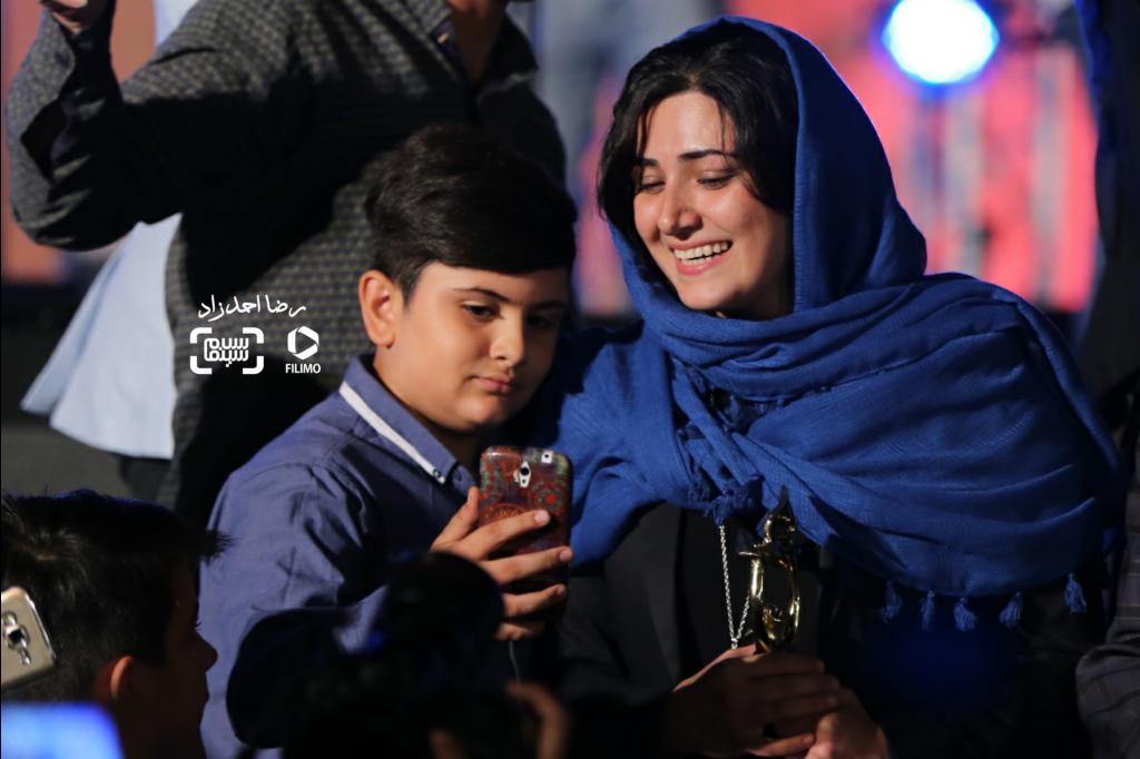 باران کوثری برنده جایزه بهترین بازیگر زن برای «کوچه بینام» در هجدهمین جشن خانه سینما