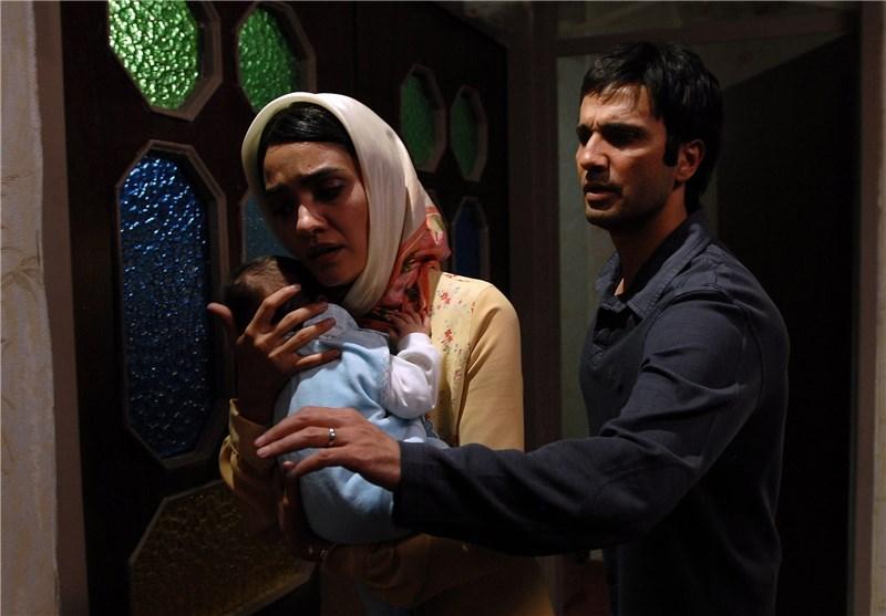 محمدرضا فروتن و میترا حجار در نمایی از فیلم دلتنگی های عاشقانه