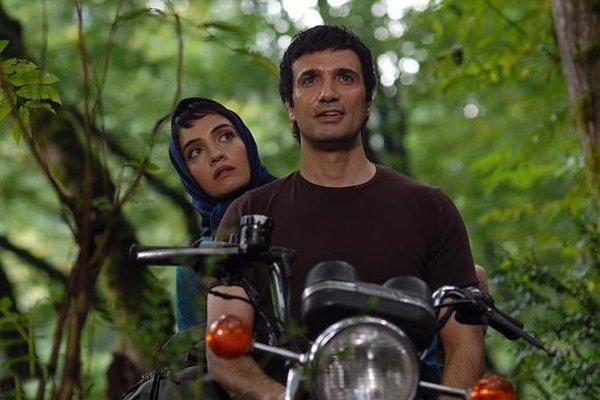 محمدرضا فروتن و میترا حجار در فیلم سینمایی دلتنگی های عاشقانه