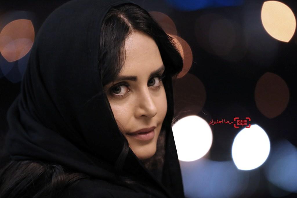 الناز شاکردوست در اکران فیلم «خفه گی» در سی و پنجمین جشنواره فیلم فجر