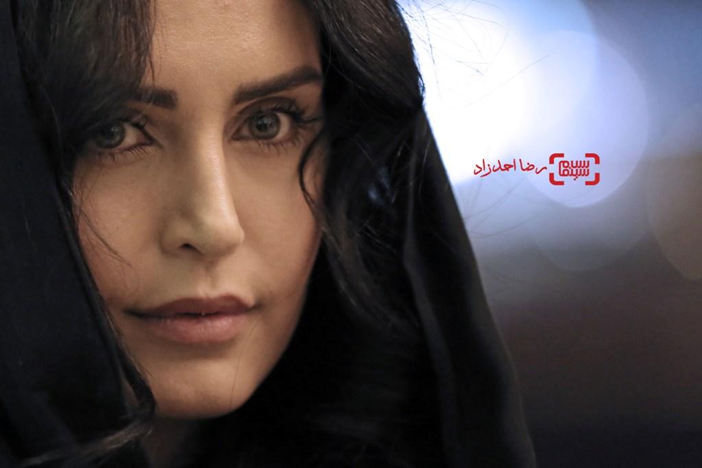الناز شاکردوست در اکران «خفه گی» در سی و پنجمین جشنواره فیلم فجر