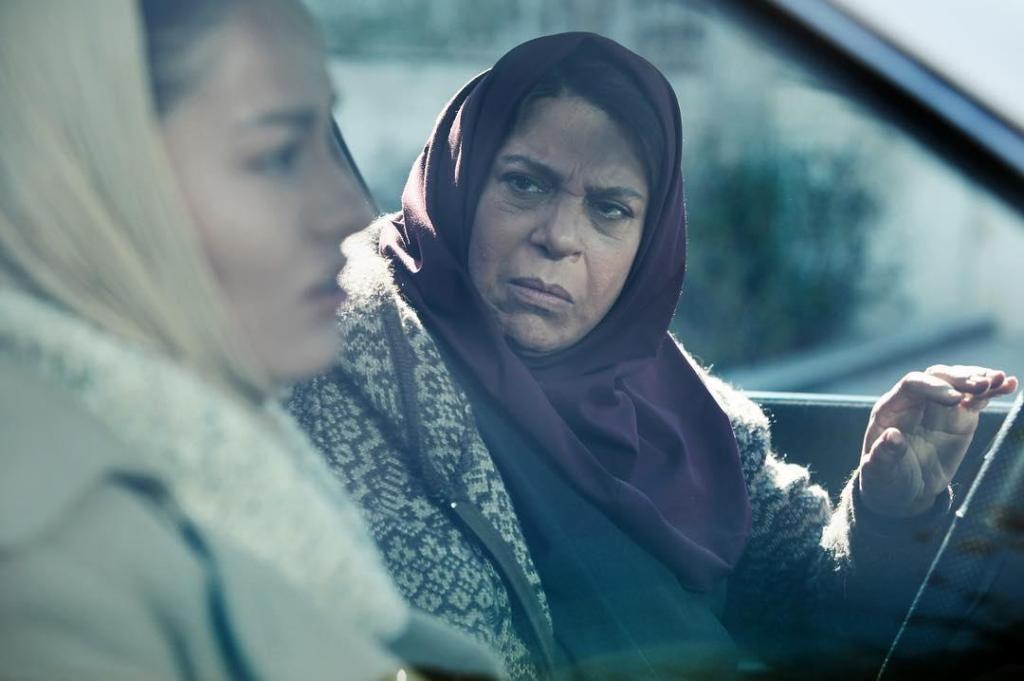 گوهر خیراندیش در نمایی از فیلم «فصل نرگس»