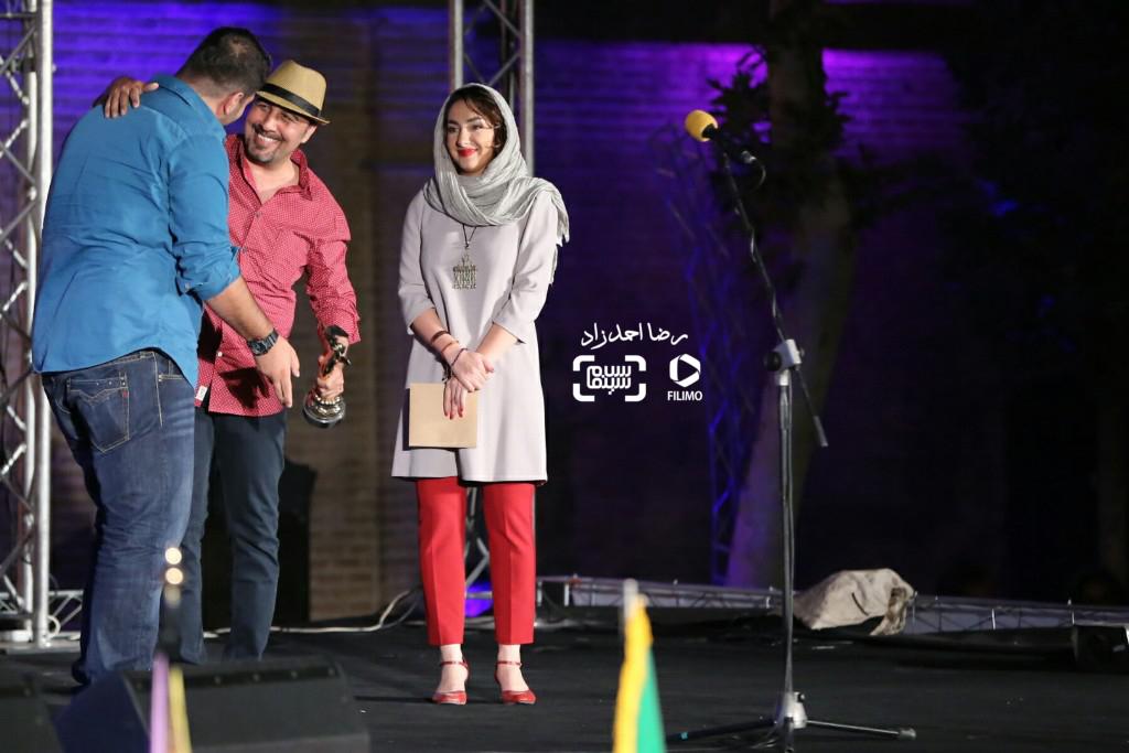 هانیه توسلی، رضا عطاران و محمد بدرلو(برنده تندیس بهترین عکس برای فیلم «اعترافات خطرناک ذهن من») در هجدهمین جشن خانه سینما