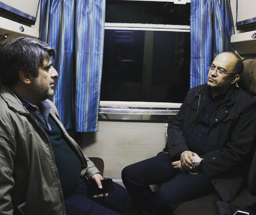 فرید فرخنده کیش، مدیرعامل انجمن سینمای جوانان ایران و جواد نوروزبیگی در پشت صحنه فیلم «جاودانگی»