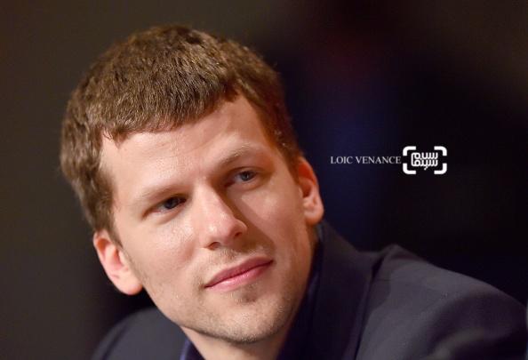جسی آیزنبرگ در کنفرانس خبری فیلم «کافه سوسایتی» در جشنواره کن 2016