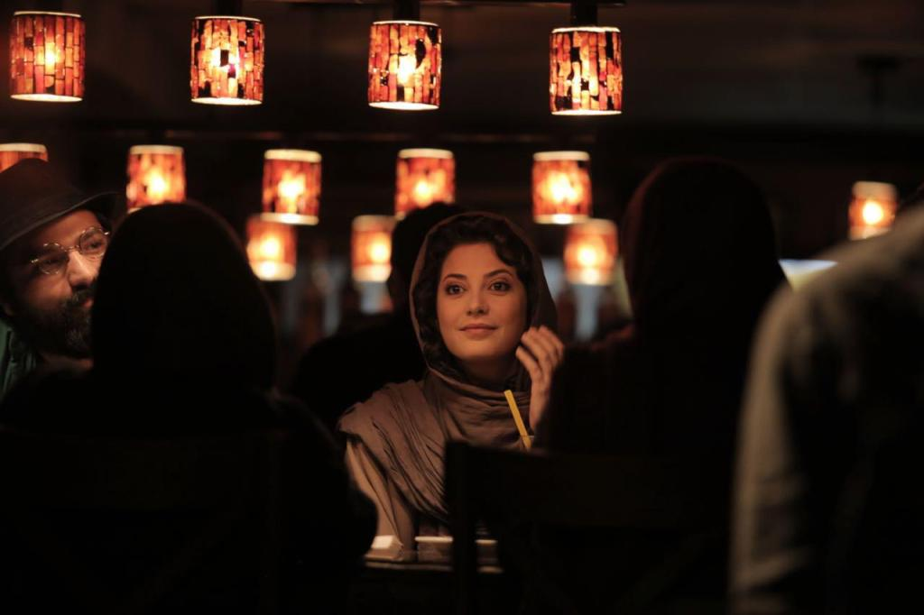 طناز طباطبایی در نمایی از فیلم «خشم و هیاهو» ساخته هومن سیدی