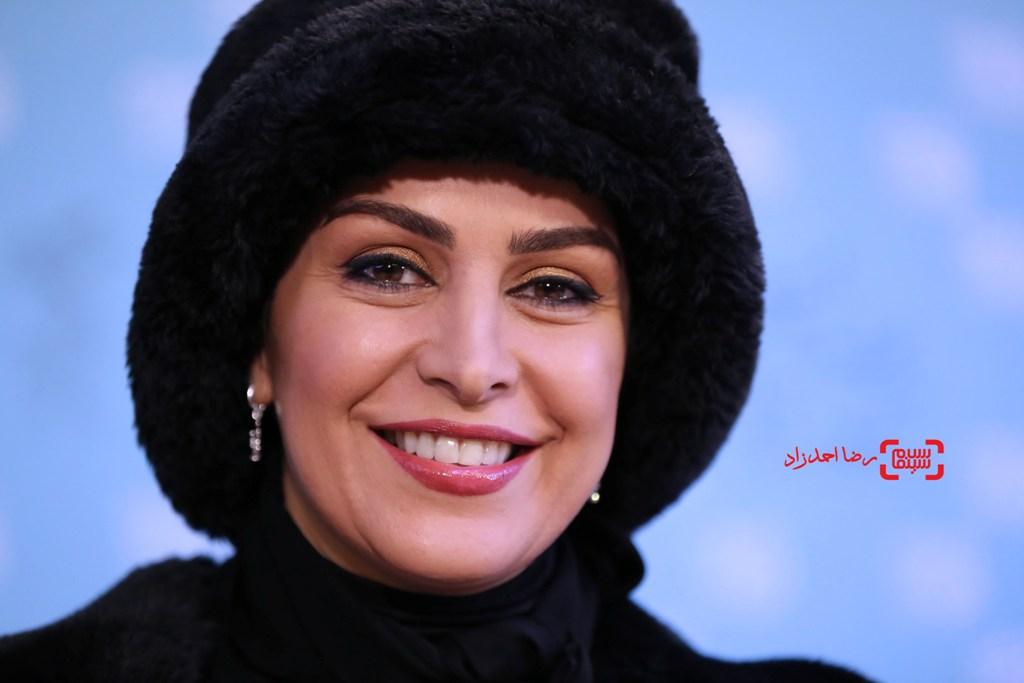 ماه چهره خلیلی در نشست خبری «یادم تو را فراموش» در سی و پنجمین جشنواره فیلم فجر