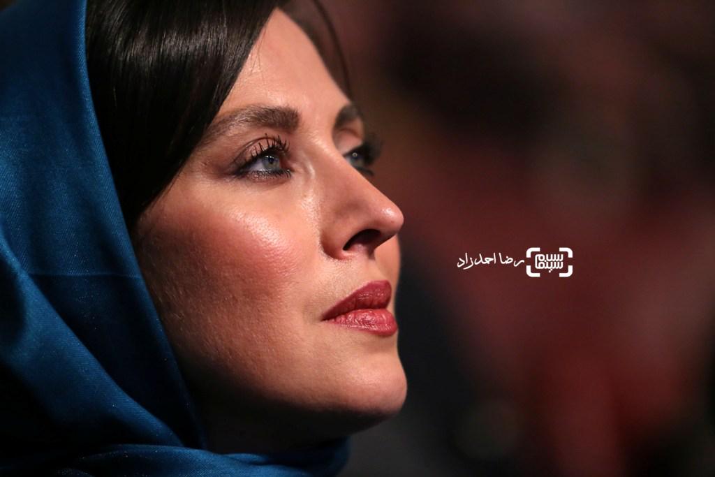 مهتاب کرامتی بازیگر فیلم «ماجان» در افتتاحیه سی و پنجمین جشنواره فیلم فجر