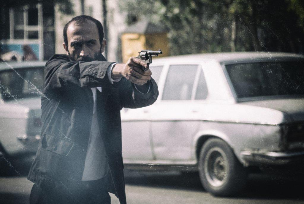 هادی حجازی فر در فیلم سینمایی «ماجرای نیمروز»