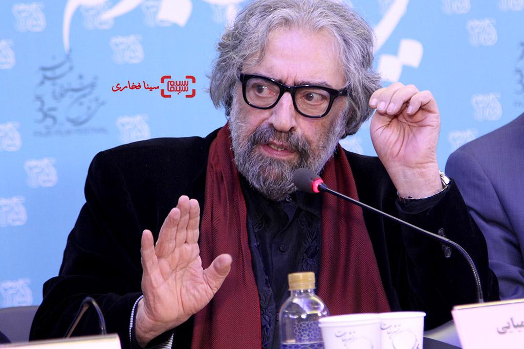 مسعود کیمیایی در نشست خبری فیلم «قاتل اهلی» در جشنواره فجر35