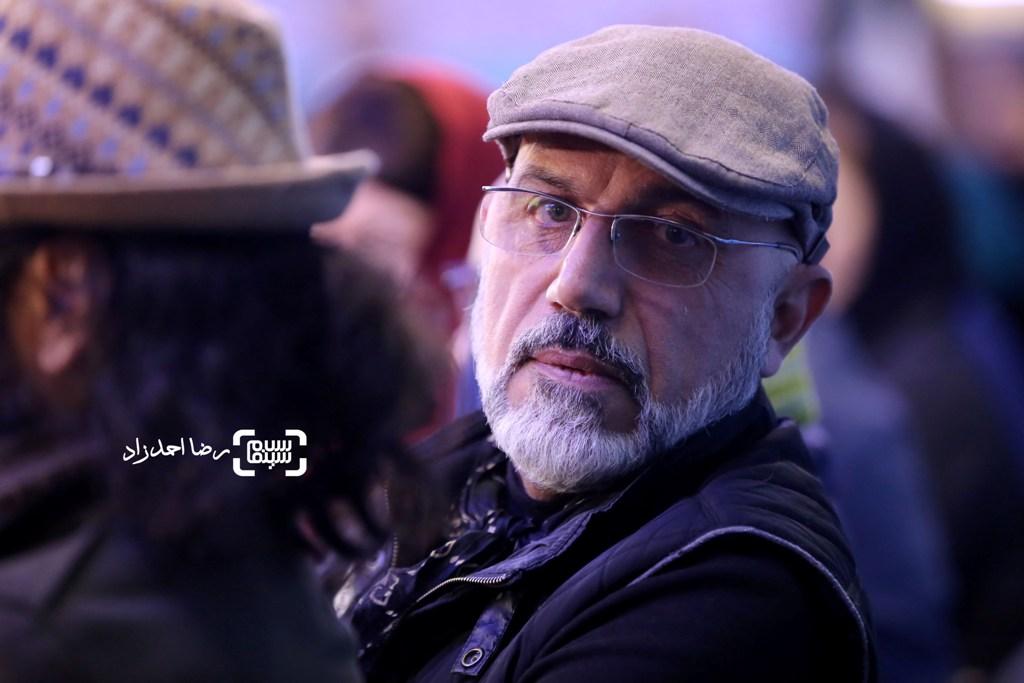 محمدرضا دلپاک در نشست خبری فیلم «زیر سقف دودی» در سی و پنجمین جشنواره فیلم فجر