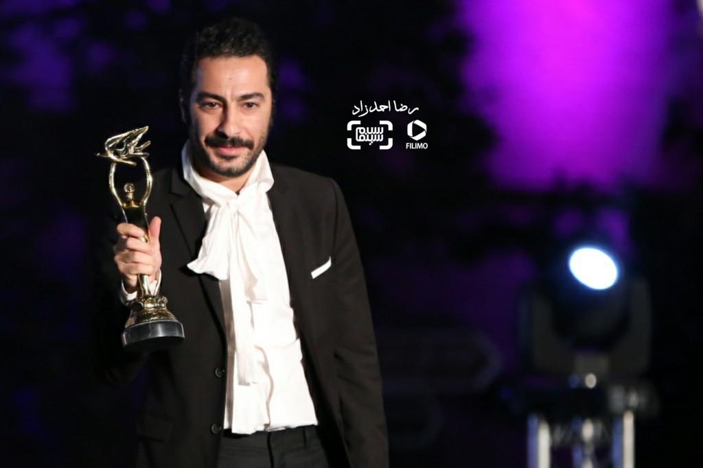 نوید محمدزاده برنده تندیس بهترین بازیگر نقش مکمل مرد برای فیلم «ابد و یک روز» در هجدهمین جشن سینما ایران