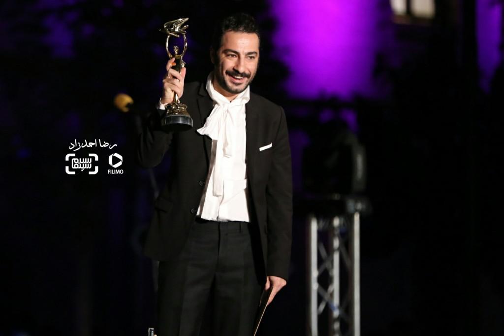 نوید محمدزاده برنده تندیس بهترین بازیگر نقش مکمل مرد برای «ابد و یک روز» در هجدهمین جشن سینما ایران