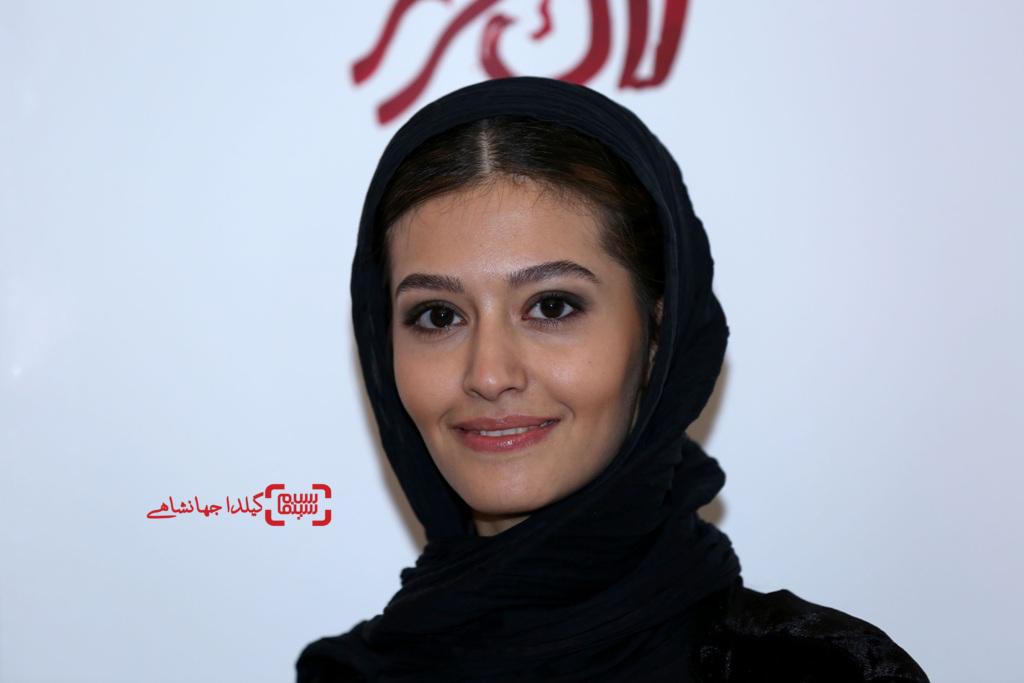پردیس احمدیه در اکران خصوصی فیلم سینمایی «لاک قرمز»