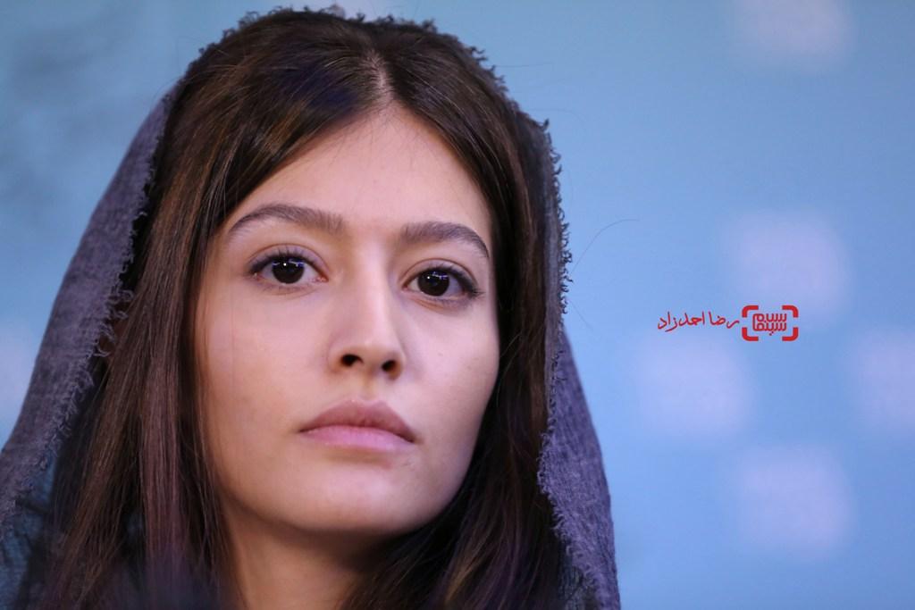 پردیس احمدیه در نشست خبری «خفه گی» در سی و پنجمین جشنواره فیلم فجر