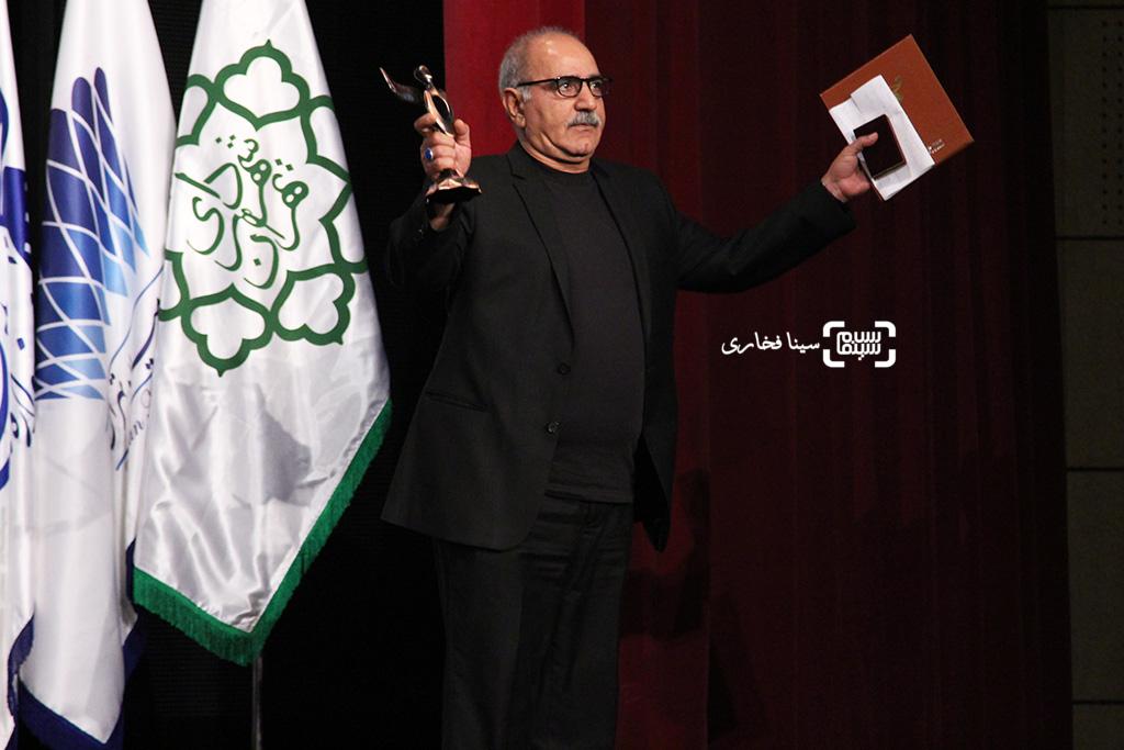 پرویز پرستویی برنده تندیس بهترین بازیگر مرد برای «بادیگارد» در اختتامیه جشنواره فیلم مقاومت