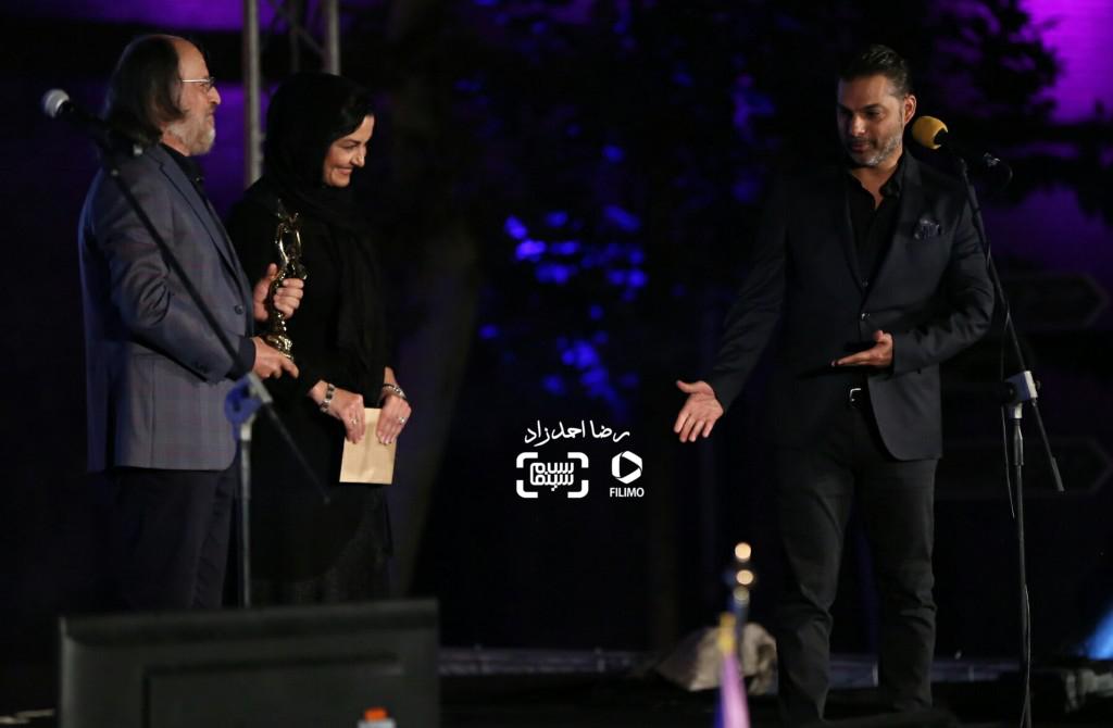 مریلا زارعی، امین تارخ و پیمان معادی برنده تندیس بهترین بازیگر مرد برای بازی در «ابد و یک روز» در هجدهمین جشن سینما ایران