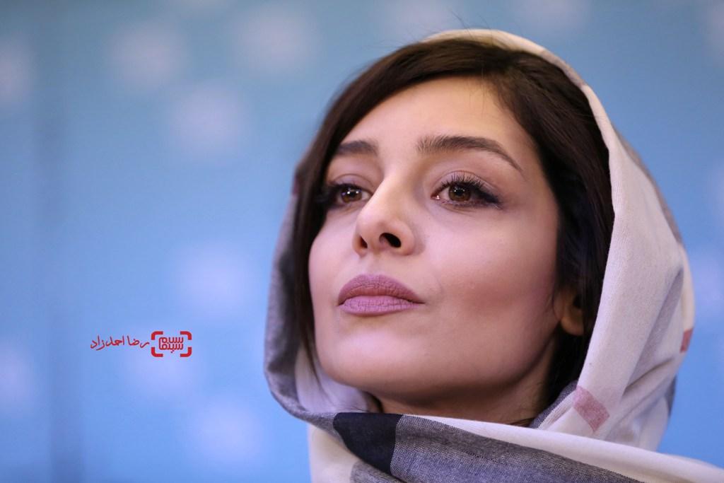 ساره بیات در نشست خبری فیلم «بیست و یک روز بعد» در جشنواره فیلم فجر35