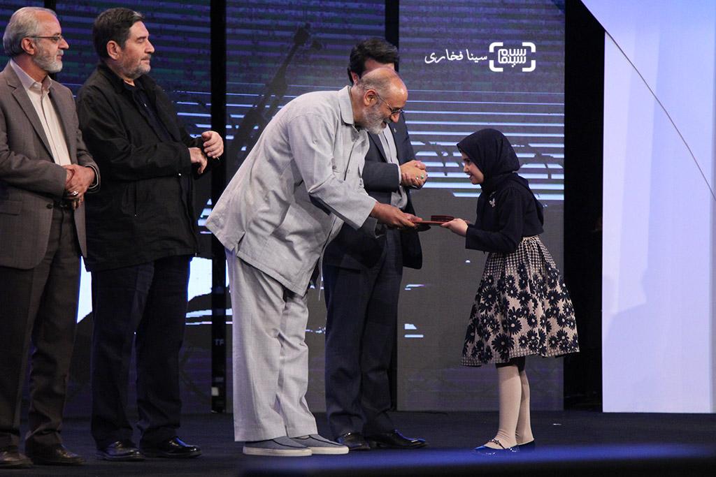 ساره نورموسوی برنده لوح تقدیر بهترین بازیگر زن برای فیلم «نفس» در اختتامیه جشنواره فیلم مقاومت