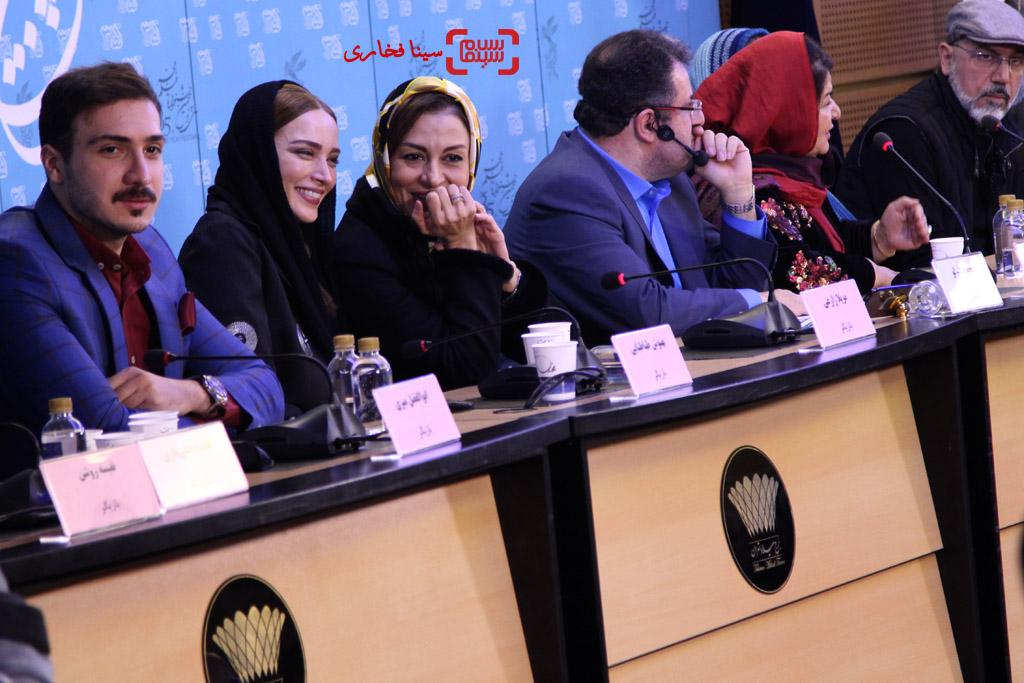 نشست فیلم «زیر سقف دودی» در سی و پنجمین جشنواره فیلم فجر