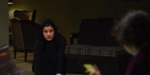 سارا بهرامی در نمایی از فیلم «خانهای در خیابان چهل و یکم» ساخته حمیدرضا قربانی