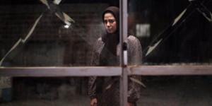 طناز طباطبایی در نمایی از فیلم «ویلایی ها» اولین ساخته منیره قیدی