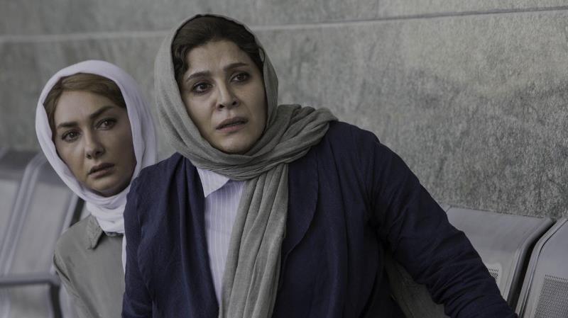 سحر دولتشاهی و هانیه توسلی در فیلم شکاف