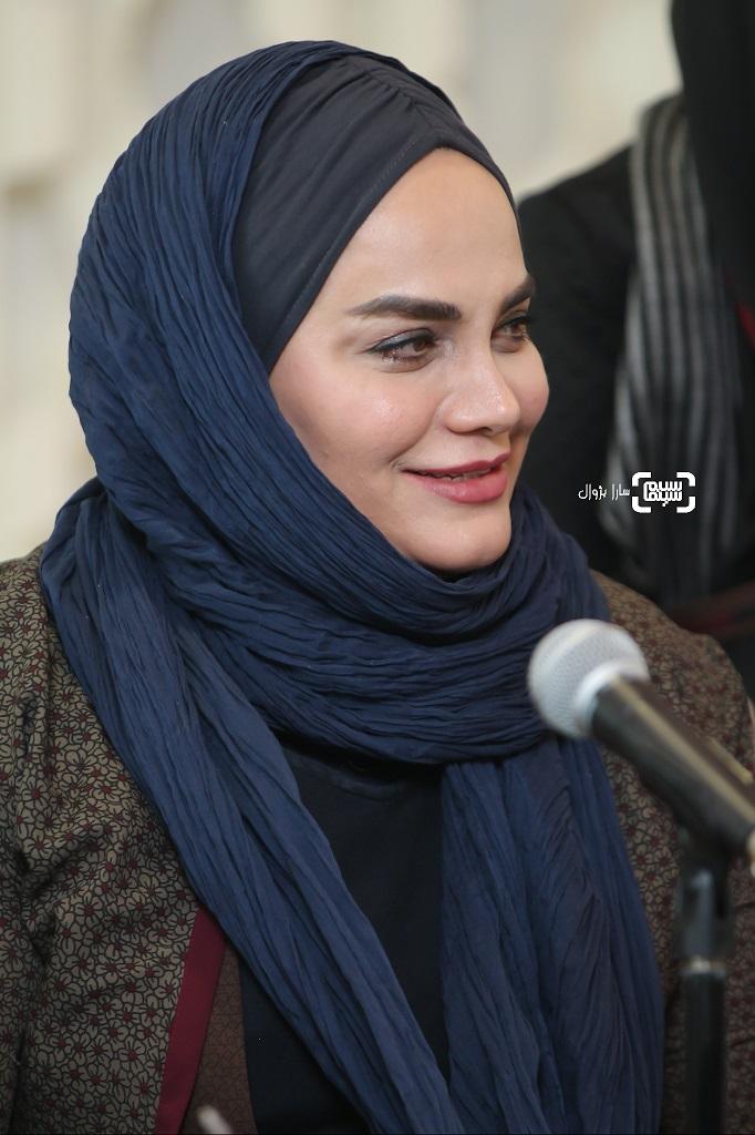 عکس نرگس آبیاردر نشست خبری داوران سی و هفتمین جشنواره جهانی فجر