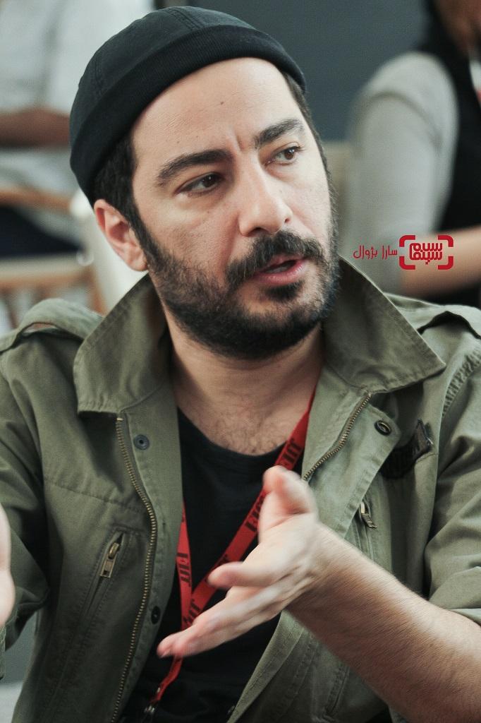 عکس نوید محمدزاده در روز دوم سی و هفتمین جشنواره جهانی فیلم فجر