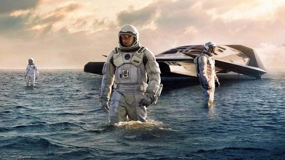 بهترین فیلم ها با فضای آخرالزمانی، نابودی بشر و زمین - در میان ستارگان (Interstellar)