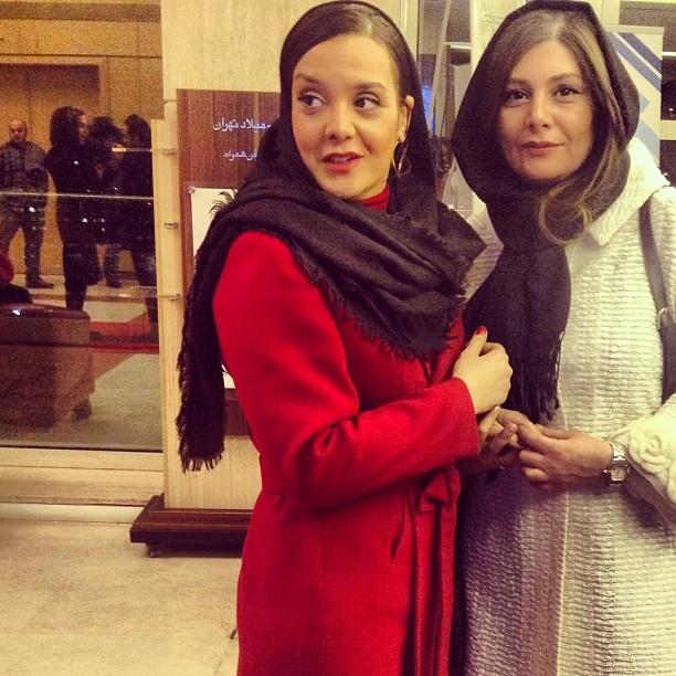 هنگامه قاضیانی و پرندزاهدی در سی و دومین جشنواره فیلم فجر