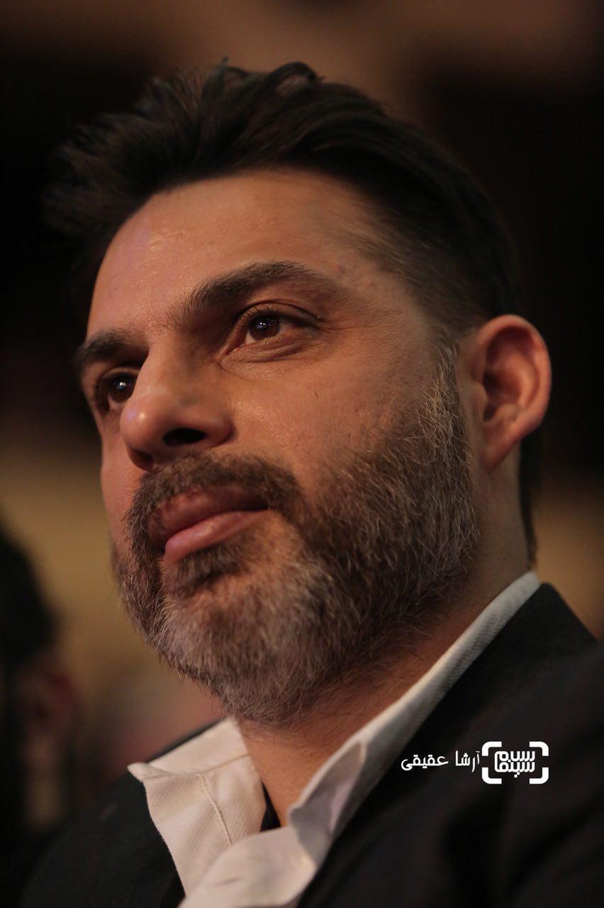 پیمان معادی در اختتامیه سی و ششمین جشنواره فیلم فجر