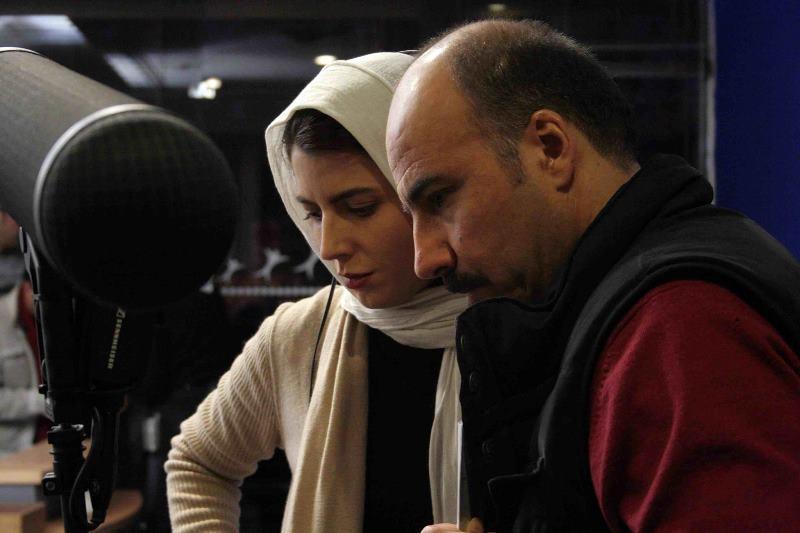 لیلا حاتمی و عادل یراقی در پشت صحنه فیلم آشنایی با لیلا