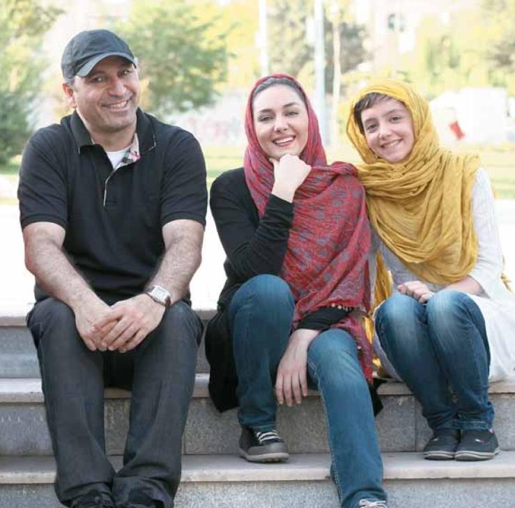 نازنین بیاتی و هانیه توسلی و حمید فرخ نژاد پشت صحنه فیلم مردن به وقت شهریور