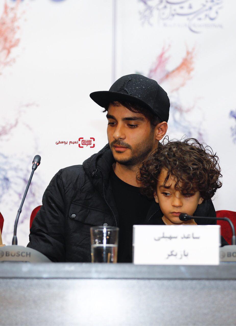 ساعد سهیلی و سید علیرضا میرسالاری در فتوکال فیلم «اتاق تاریک» در کاخ رسانه سی و ششمین جشنواره فیلم فجر