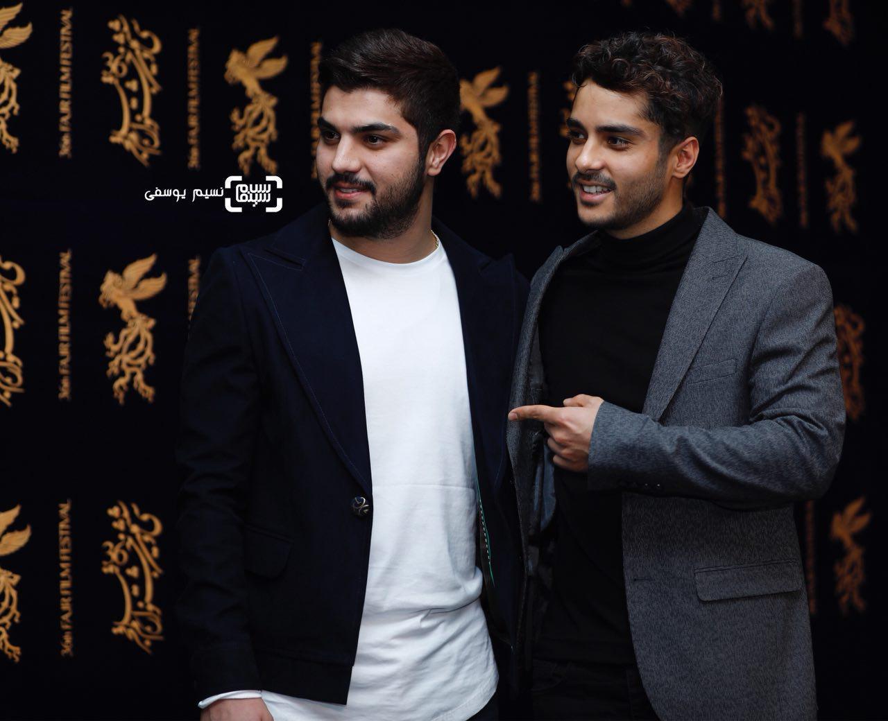 ساعد سهیلی و برادرش سینا سهیلی در اکران فیلم «ماهورا» در سی و ششمین جشنواره فیلم فجر