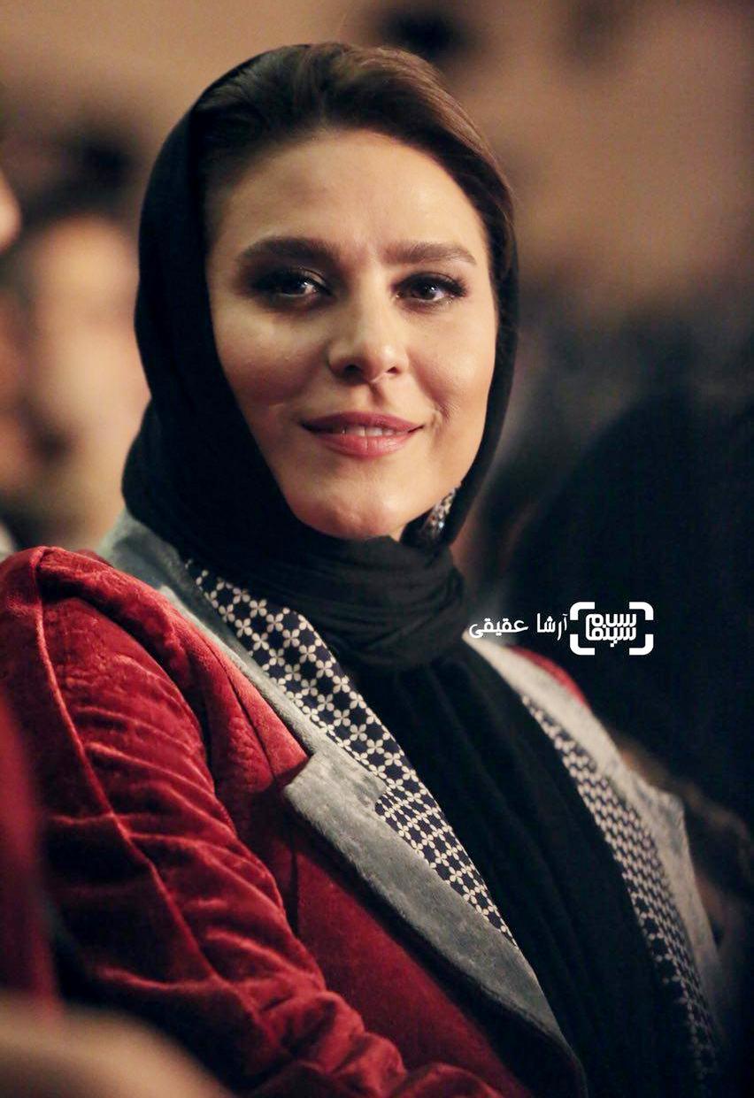 سحر دولتشاهی برنده جایزه بهترین بازیگر مکمل زن برای «چهارراه استانبول» و «عرق سرد» از جشنواره فیلم فجر36
