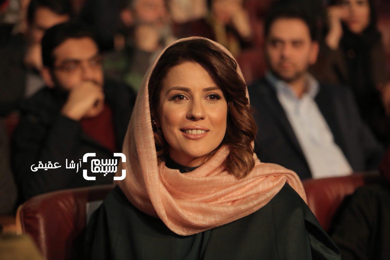 سارا بهرامی در اختتامیه سی و ششمین جشنواره فیلم فجر