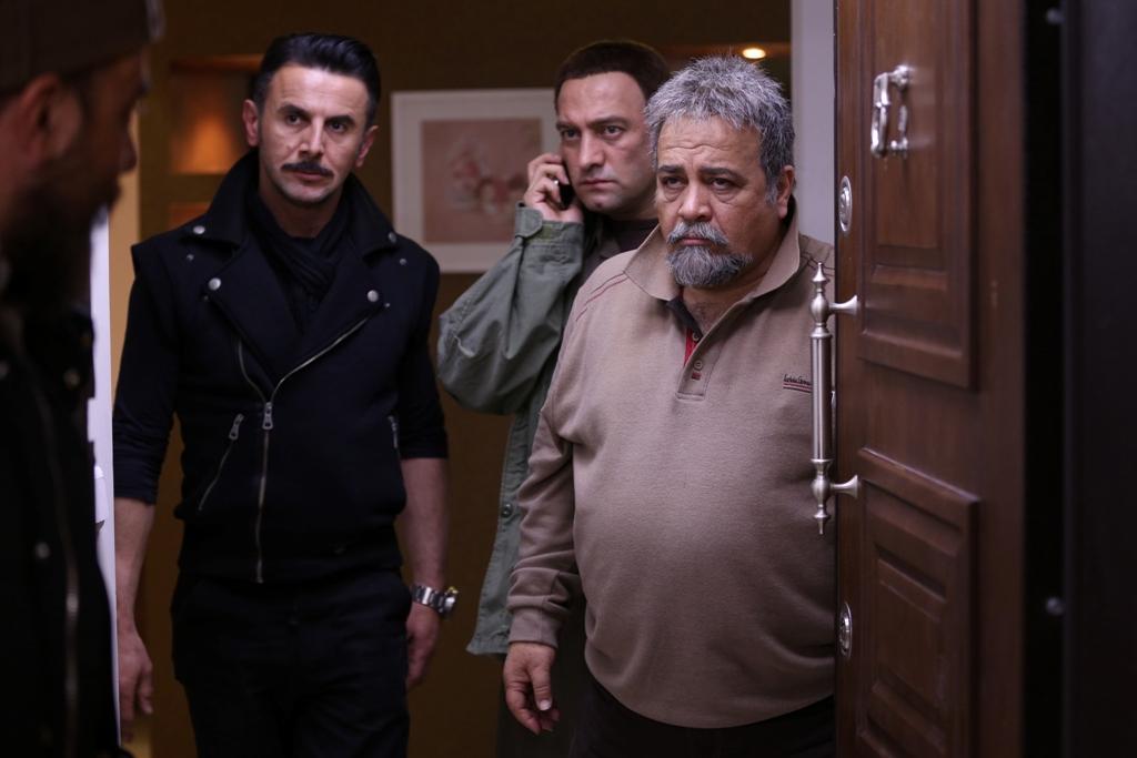 «سه بیگانه» به شبکه نمایش خانگی آمد