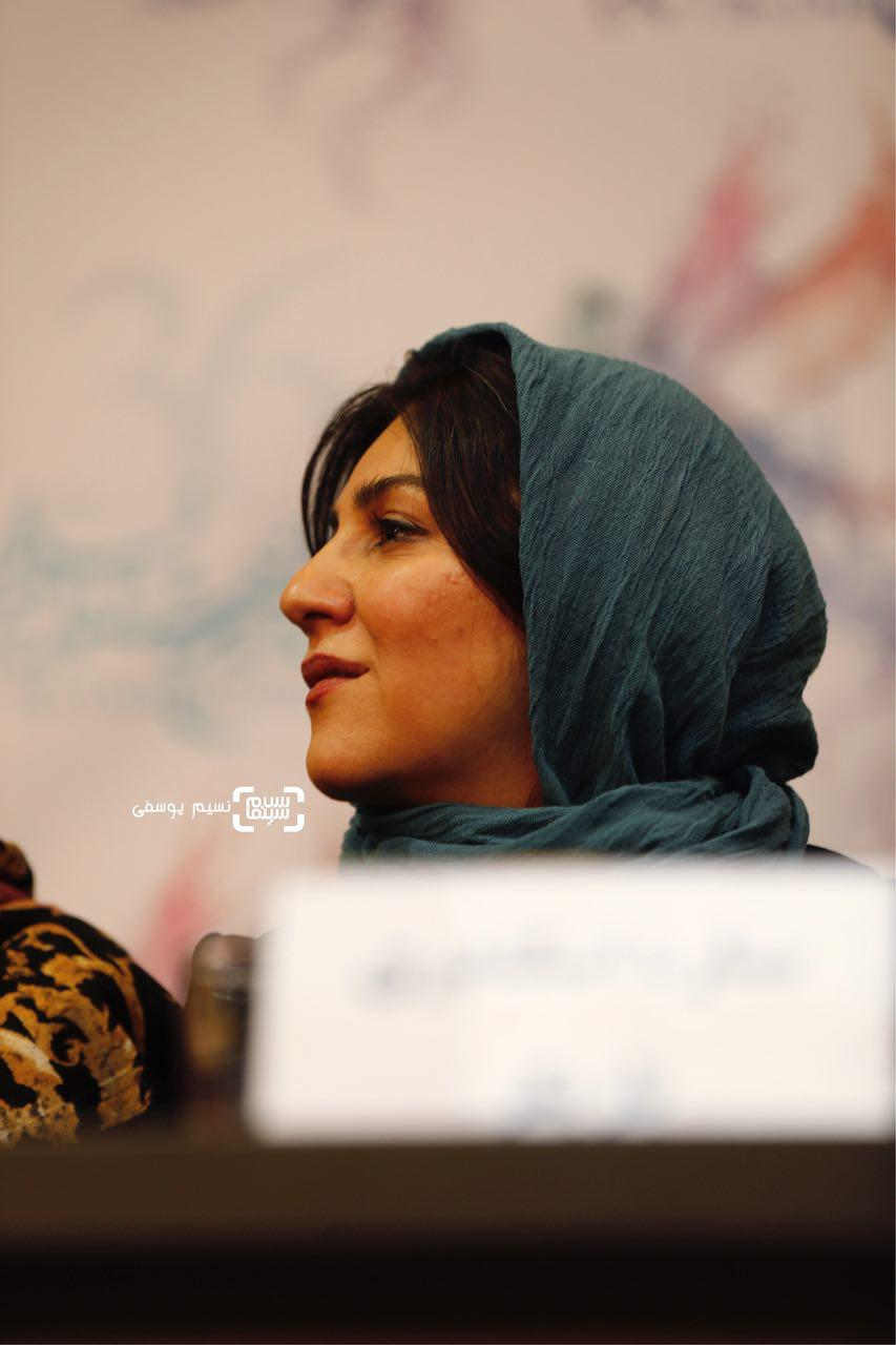 ستاره اسکندری در اکران فیلم «سرو زیر آب» در کاخ رسانه سی و ششمین جشنواره فیلم فجر
