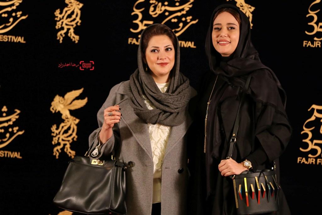 طناز طباطبایی و  پریناز ایزدیار در اکران فیلم «ویلایی ها» در جشنواره فجر 35