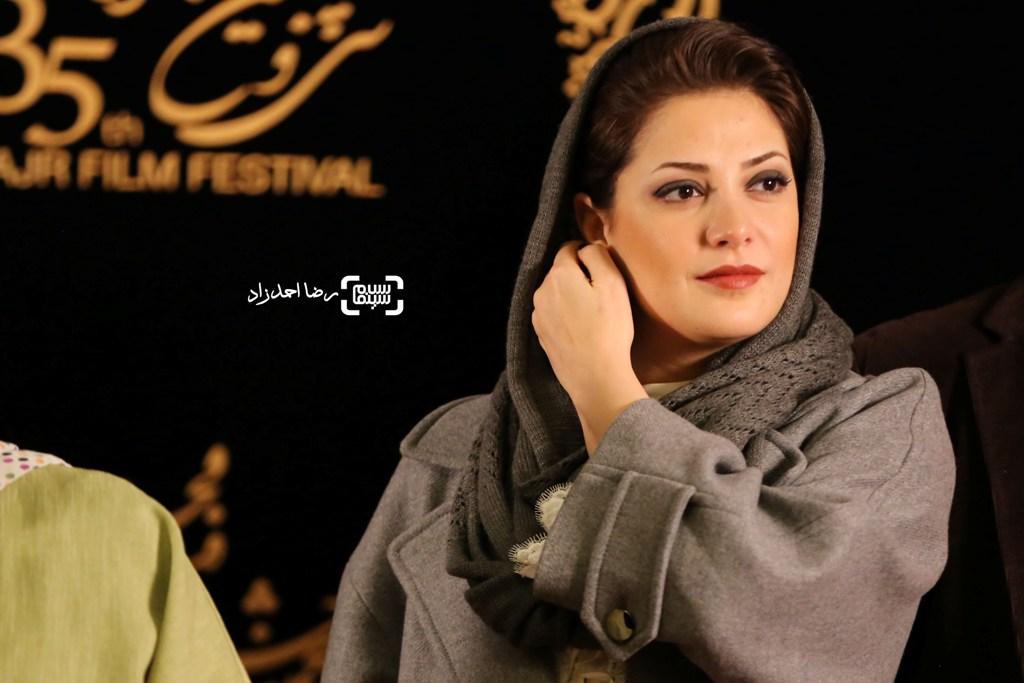 طناز طباطبایی در اکران فیلم «ویلایی ها» در جشنواره فجر 35