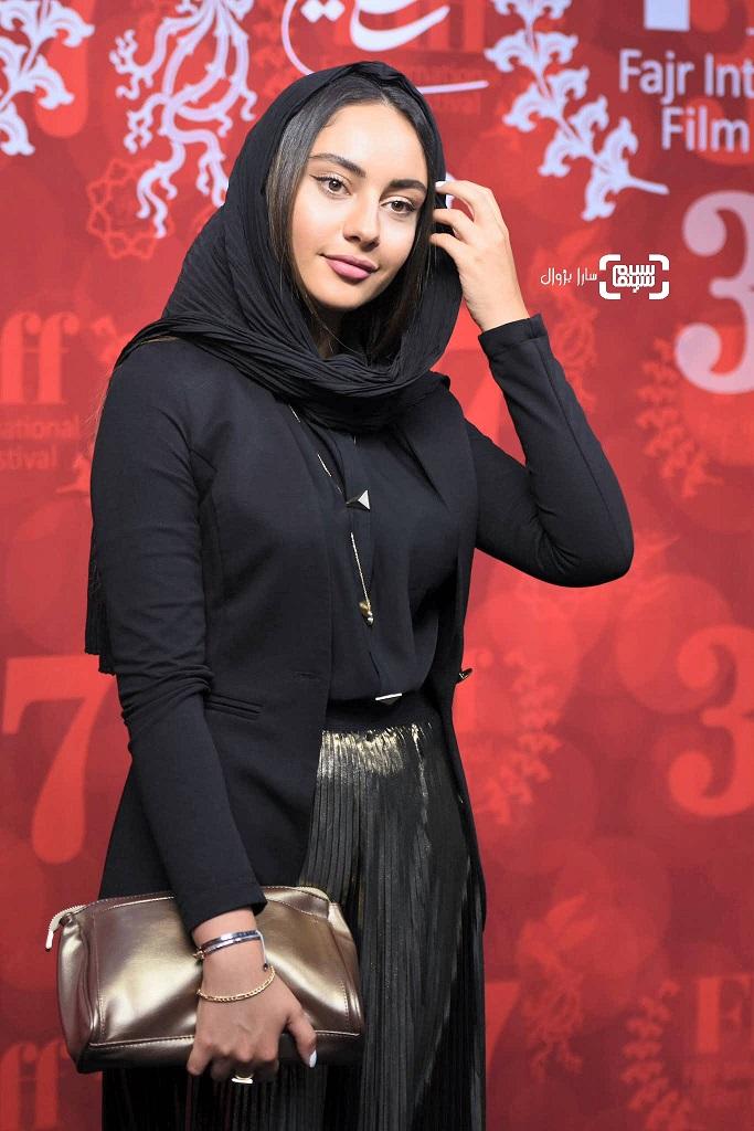 عکس ترلان پروانه در روز اول سی و هفتمین جشنواره جهانی فیلم فجر