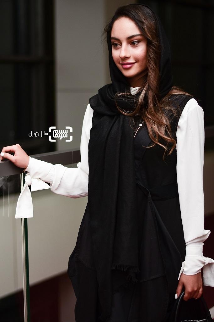 عکس ترلان پروانه در روز دوم سی و هفتمین جشنواره جهانی فیلم فجر