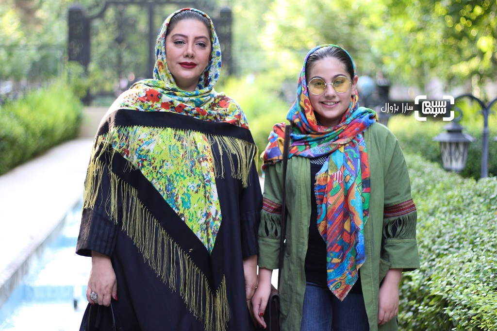 عکسزهرا داوودنژادو دخترشیلدا محمودی پور در اکران خصوصی «رضا»