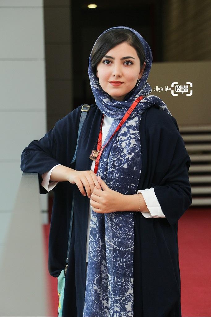 عکس زیبا کرمعلی در روز سوم سی و هفتمین جشنواره جهانی فیلم فجر